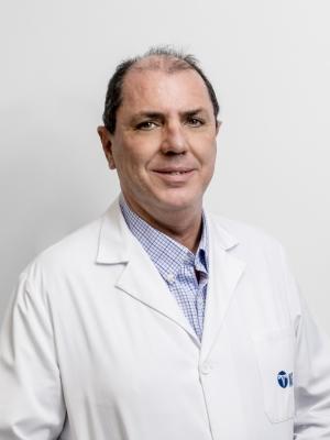Dr. Carlos López Lafuente